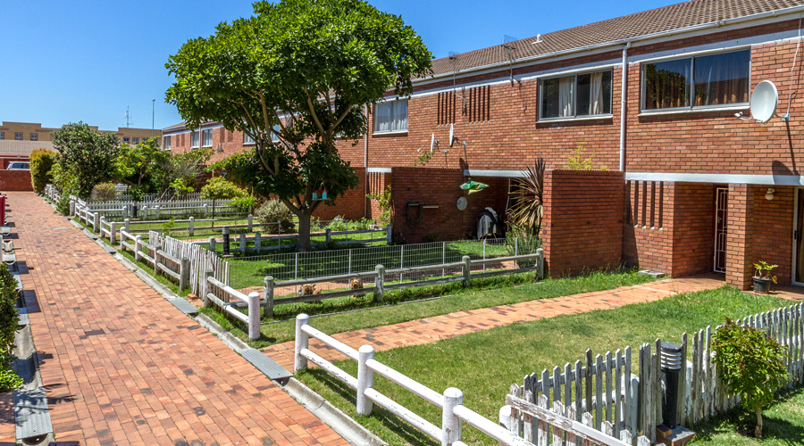 3 Bedroom Townhouse – Ascot Square, Milnerton